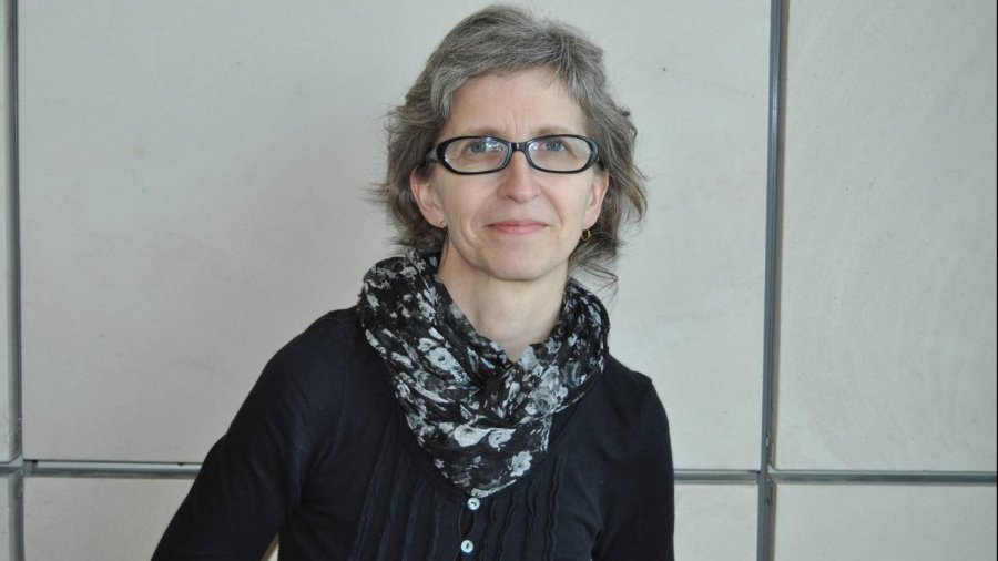 Dra. Ana Ortiz García.