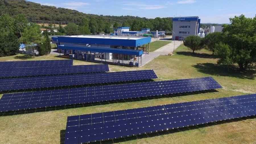 Paneles solares de Almirall.
